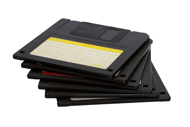 black-disc_640